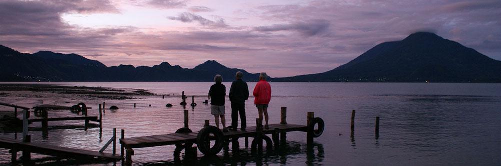 Bénévoles de CASIRA au Lac Atitlán, Guatemala (Crédit photo : Louis Paquette)